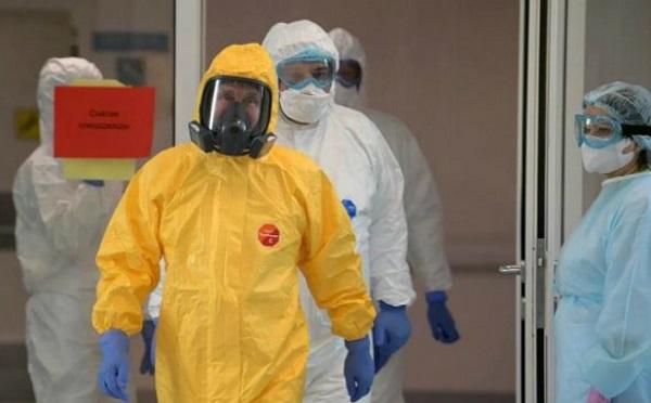 Страна, где врачам, борющиеся с коронавирусом, приходится стирать марлевые повязки