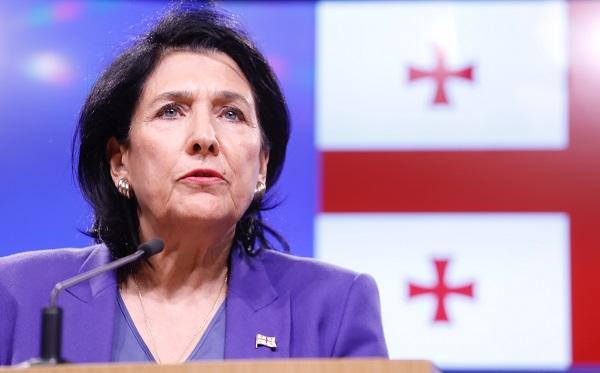 Саломе Зурабишвили - Необходима немедленная деэскалация ситуации и разряжение напряженности, что в первую очередь требует настоящего конструктивного диалога