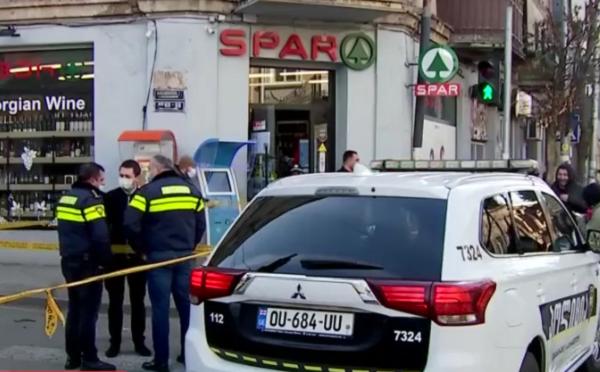 На улице Читая в Тбилиси вооруженные лица попытались ограбить супермаркет