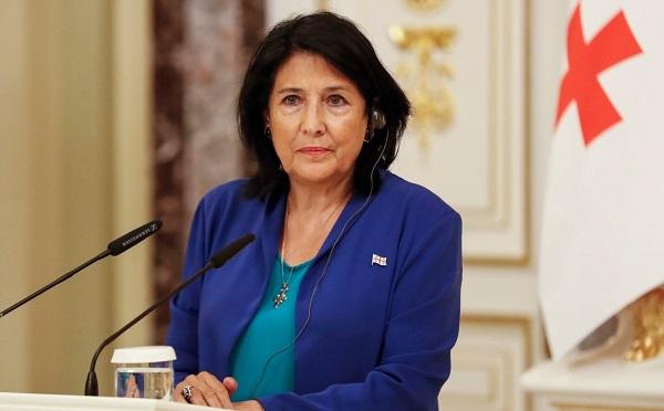 Я строго осуждаю теракт в Кабуле, эвакуация должна продолжаться мирно  -  Саломе Зурабишвили