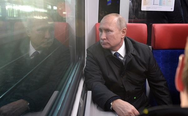 Глава МИ-6 заявил, что Россия – ослабевающая держава