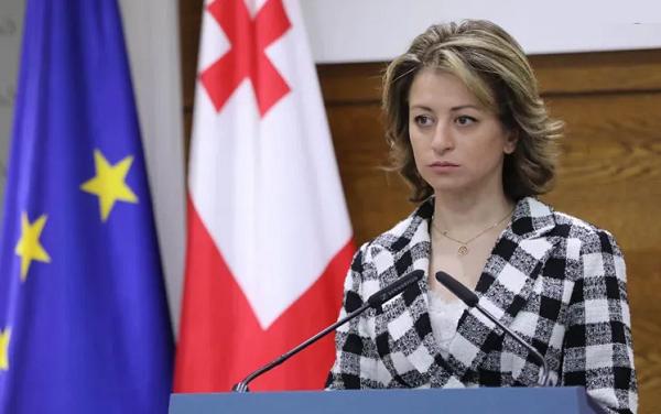 Глава Минздрава Грузии взялась за дело 19-летней жертвы коронавируса