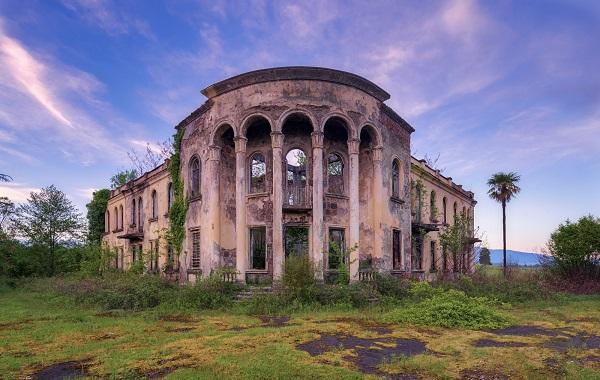 Абхазские развалины в объективе немецкого фотографа | Галерея