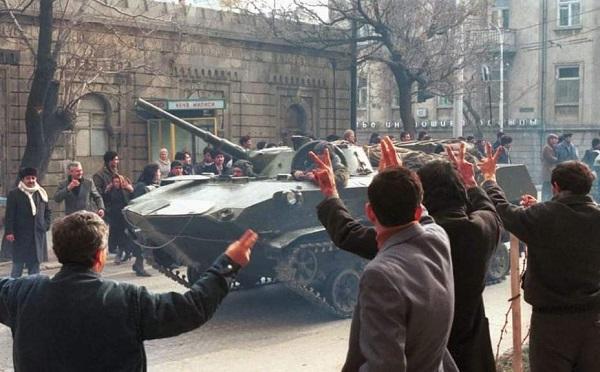 Черный январь в Баку - как кремлевские воиска и танки пролили кровь 147 невинных людей