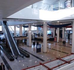 В Тбилисском аэропорту были временно приостановлены полеты