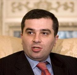 Президент Франции намерен призвать Европу принять законы по геноциду армян