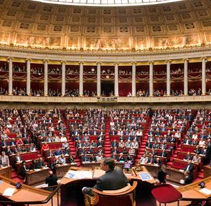 Национальное Собрание Франции приняло закон о Геноциде армян