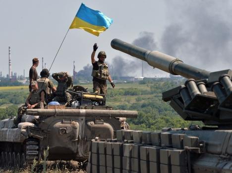 На подступах к Луганску и Донецку идут бои